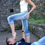 Jeune domina de 19 ans cherche bon lecheur de pieds a Agen