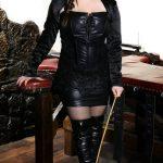 Maitresse Sara dominatrice a Annecy cherche un esclave mâle