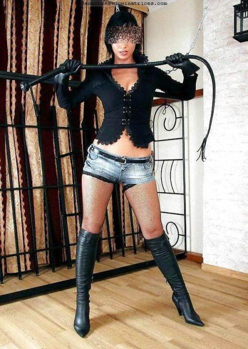 Maitresse Ivana pour te punir